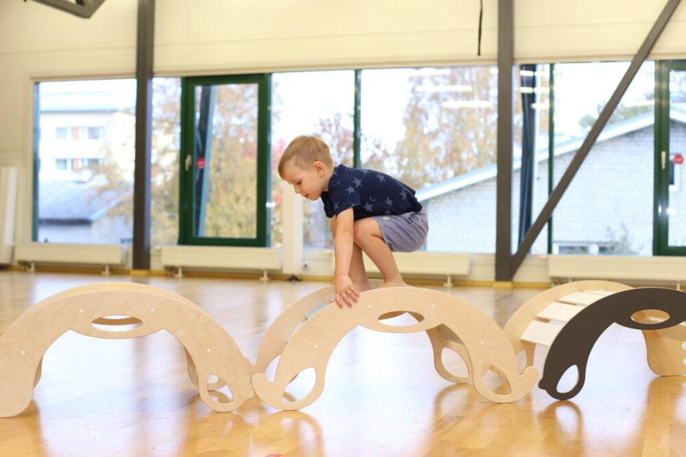 Nobsi rocking and climbing toys for toddlers - Schaukeltiere und Kletterbogen für Kleinkinder