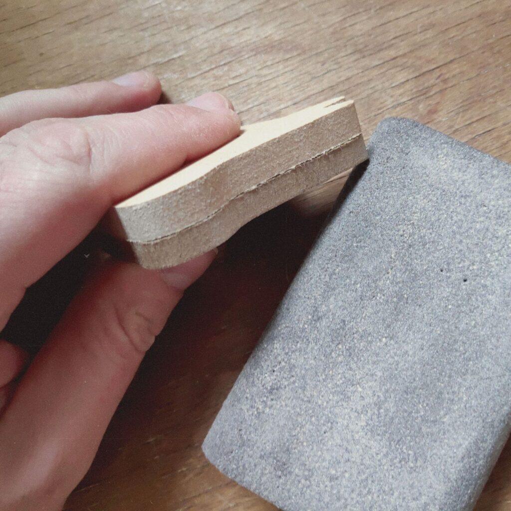 intrmediate sanding of magnetic animal - Anschleifen der Magnettiere