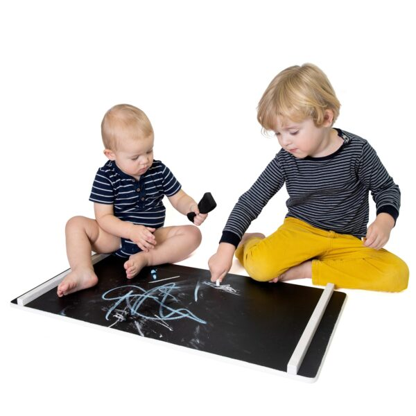 chalkboard wall for toddler