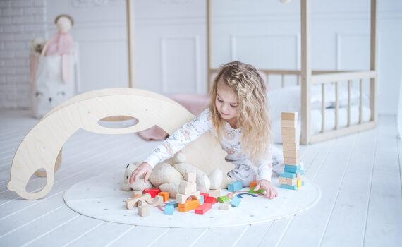rocker toy birdie natural - Schaukeltier & Kletterbogen aus Holz Birdie natural für Kleinkinder